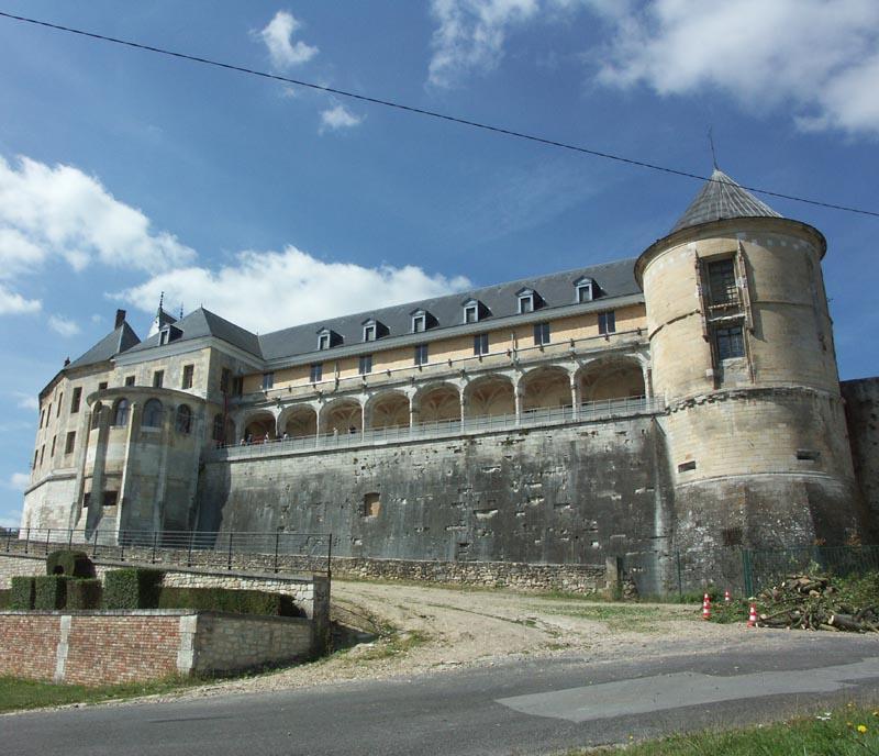 Chateau de gaillon xvie siecle adresses horaires tarifs for Piscine de gaillon