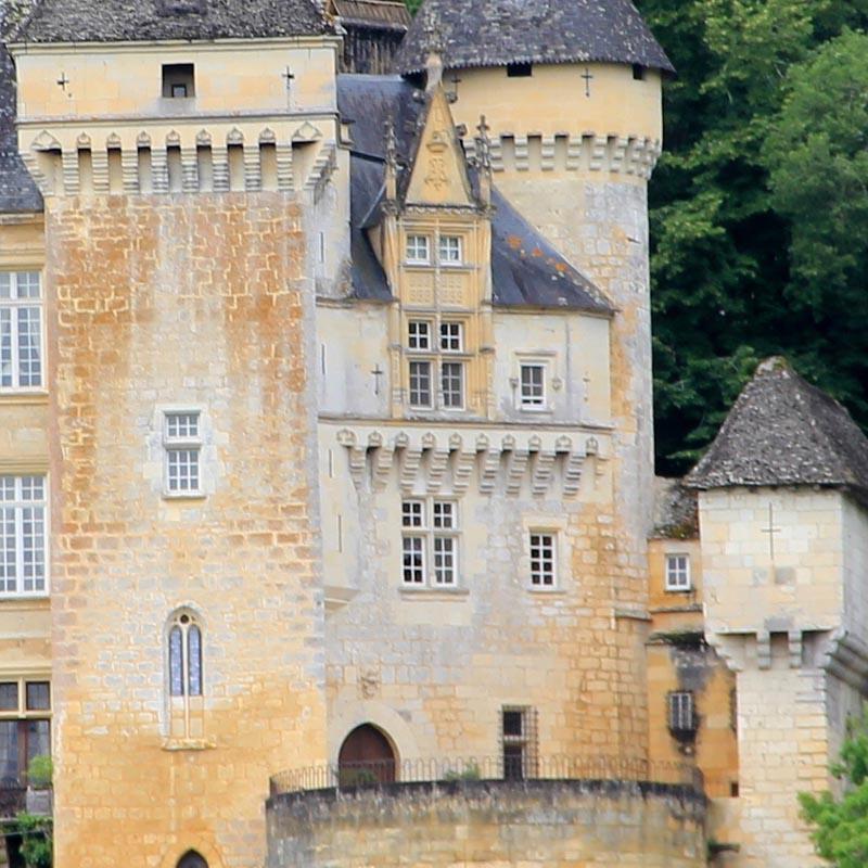 Ch teau de la roque meyrals xive xve si cle adresses for Chateau la roque