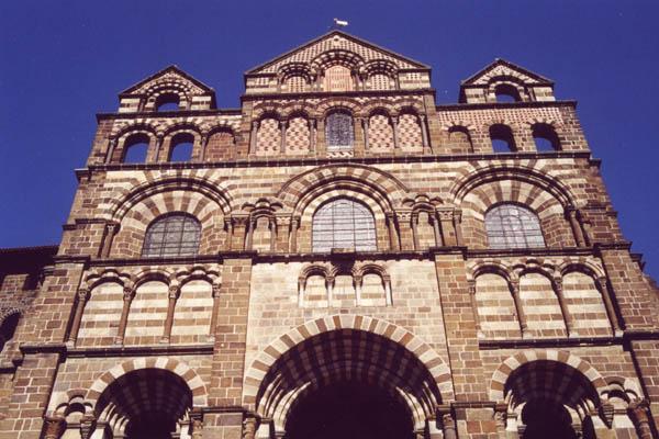 Edifices religieux les cath drales for Architecture romane definition