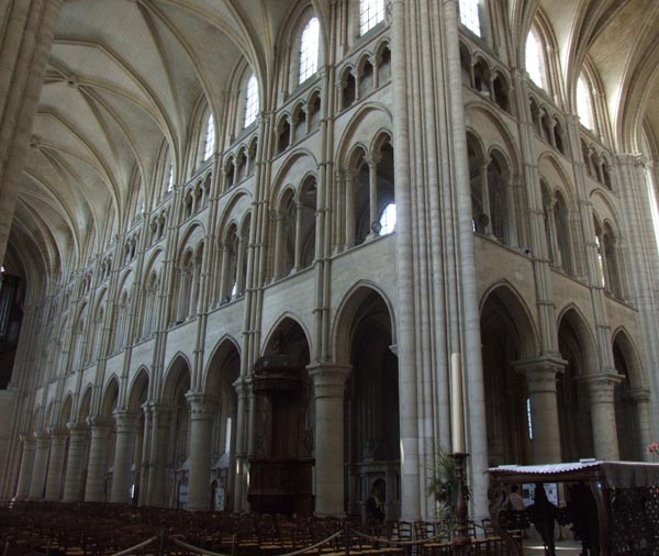 Cathedrale de laon xiie xive siecle adresses horaires for Horaire piscine laon